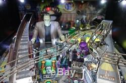 2019 STERN MUNSTERS PRO ARCADE PINBALL MACHINE Very Few Plays GREAT CONDITION