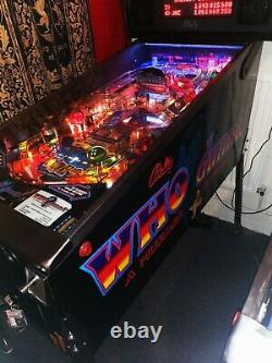 Bally Whodunnit Pinball Machine, excellent condition and working order