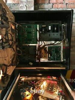 Bally cybernaut pinball machine