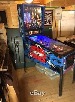 Classic star wars pinball machine (RESERVE LOWERED)