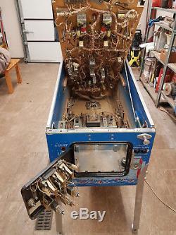 Gottlieb (Premier) Pinball machine BIG HOUSE 1989