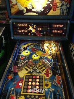 Pacman pinball machine