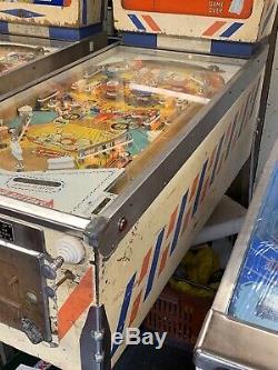 Pinball Machine Gottlieb Bowling Queen