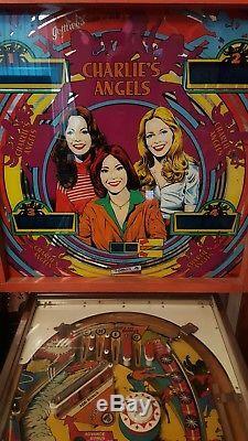 Pinball machine charlies angels. Working