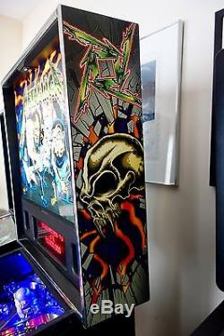 Stern 2013 METALLICA PRO ARCADE PINBALL MACHINE Excellent Condition FULLY LEDS