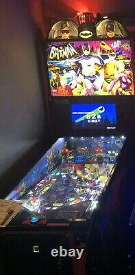 Stern Pinball Batman 66 Limited Edition Pinball Machine LE #110