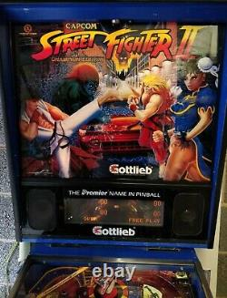 Street Fighter 2 Pinball machine made by Gottlieb great condition