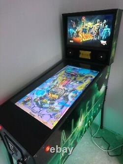 Virtual Pinball Machine Fx 40 playfield. Arcade machine. Fully working