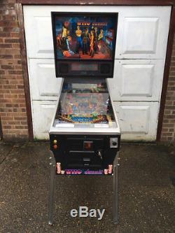Who Dunnit Bally Pinball Machine
