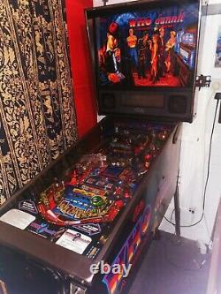 Whodunnit Pinball Machine, A murder Mystery excellent condition / fully working