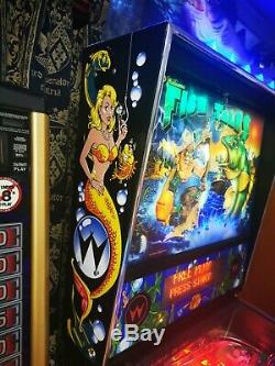 Williams Fish Tales Pinball Machine 1992 Very Good Condition please read below